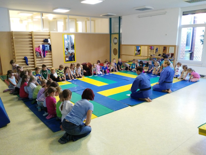 Enota Iskrica: Na obisku judoistki iz judo kluba Z'dežele Sankaku klub Celje