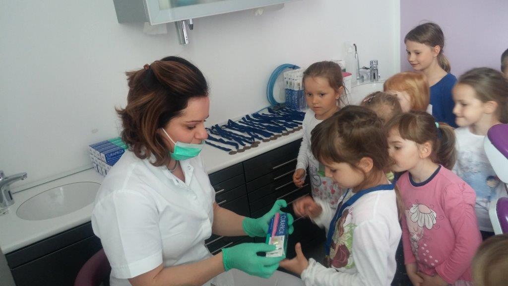 Enota Iskrica: Obisk pri ortodontinji