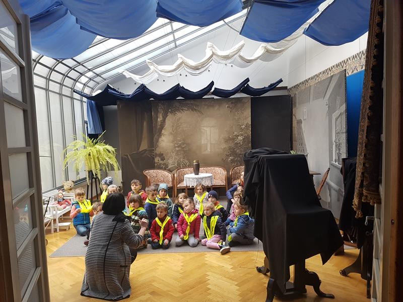 Enota Živ žav: Obisk Pelikanovega ateljeja