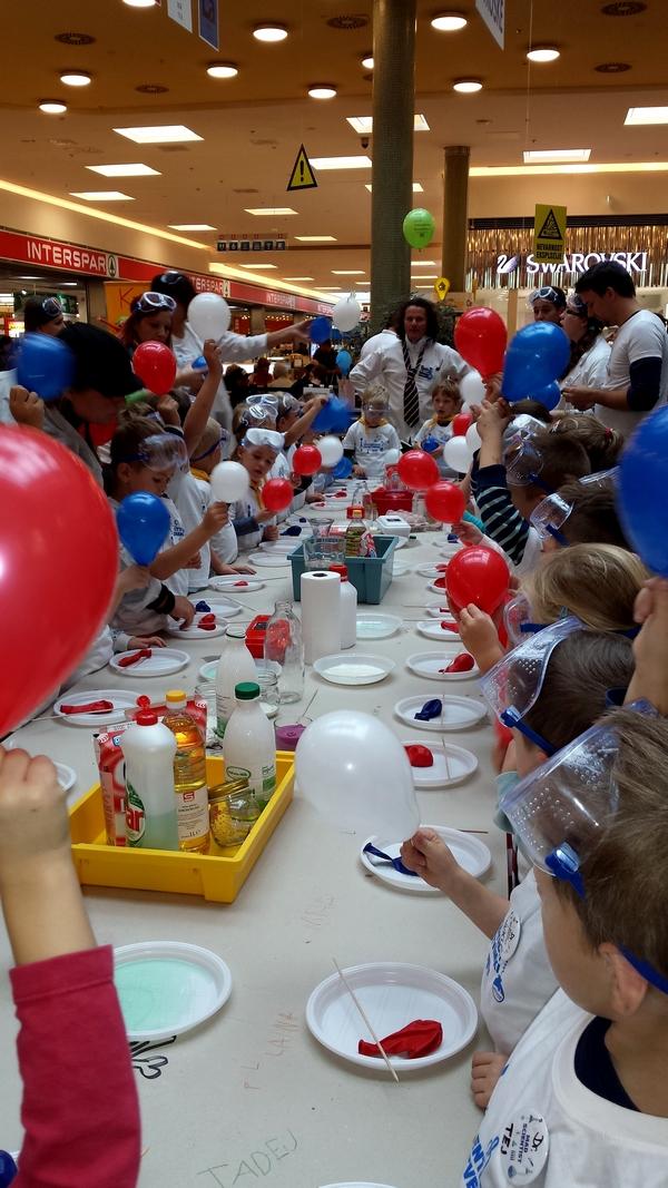 Enota Ringa raja: Laboratorij otroške vedoželjnosti