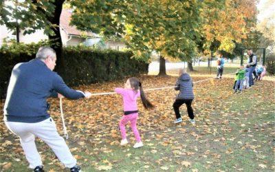 Jesensko druženje odraslih in otrok starejših oddelkov iz enote Živ žav